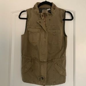 ONLY army green vest